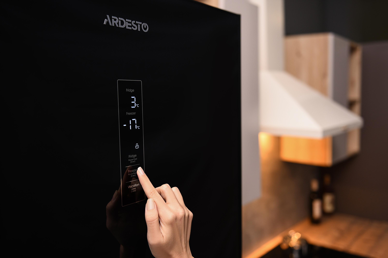Преміальний холодильник з No Frost-охолодженням та сенсорним управлінням – Ardesto DNF-M326GL200